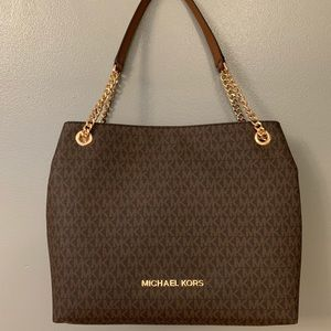 Michael Kors large tote with zipper